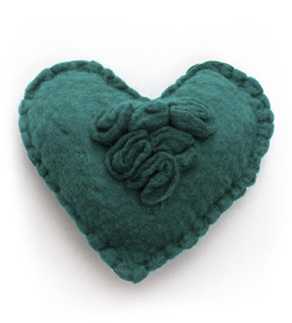 almohadon-corazon-verde
