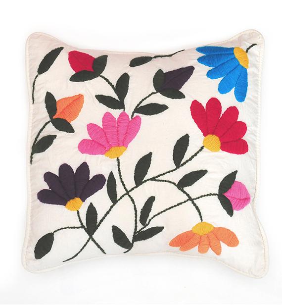 almohadon-flor-nortena-cuadrado-color-natural