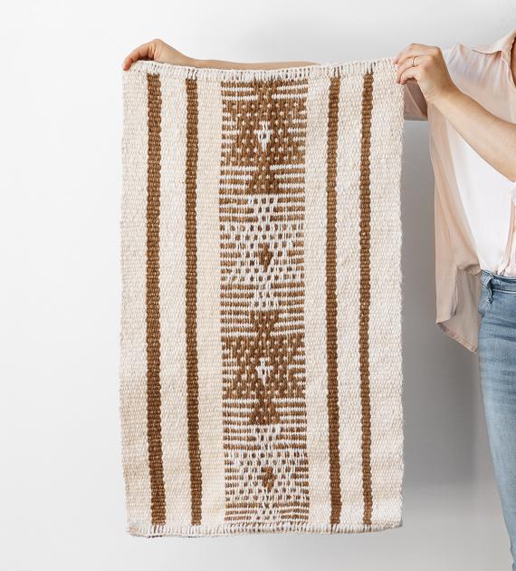 alfombra-costado-de-cama-flechas-marina