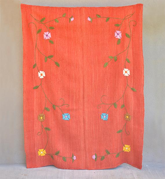 alfombra-bordada-margarita
