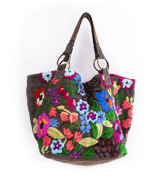 cartera-bordada-muchas-flores-vison