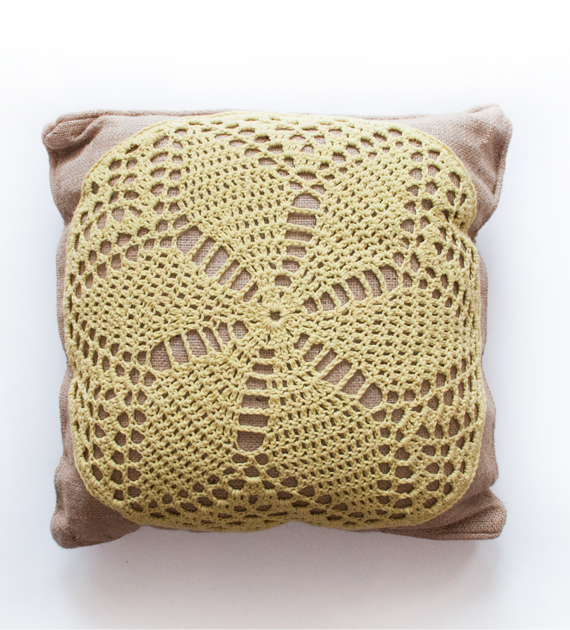 almohadon-yute-y-crochet-limon-50-x-50