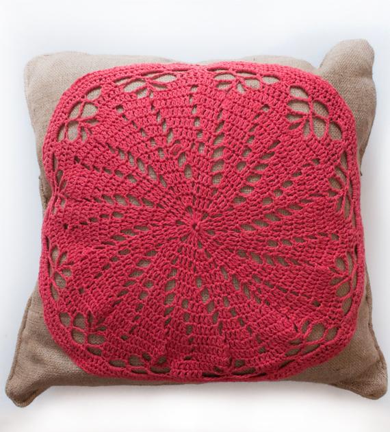 almohadon-yute-y-crochet-fucsia-60-x-60