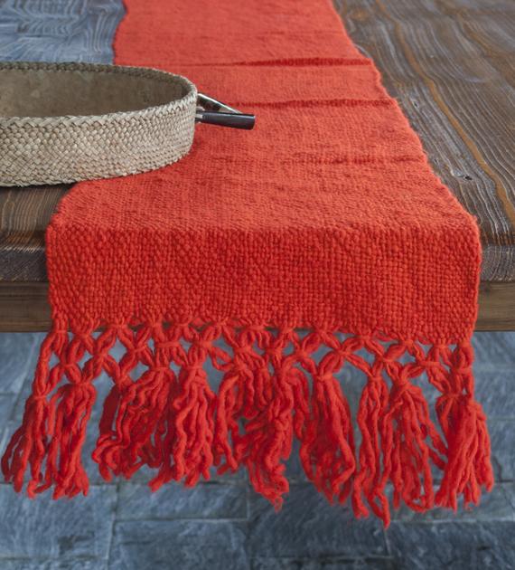 camino-de-mesa-calchaqui-naranja