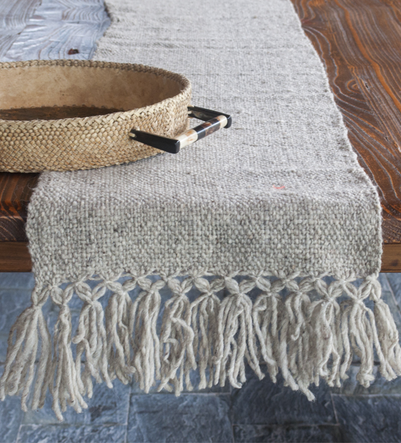 calchaqui-large-table-runner-light-grey