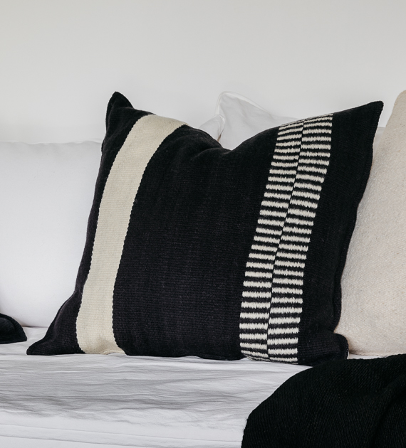 torcuato-xl-cushion-black-and-white