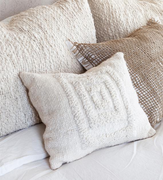 almohadon-grama-cuadros-natural