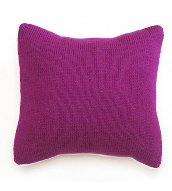 almohadon-tejido-monocromatico-magenta-40-x-40