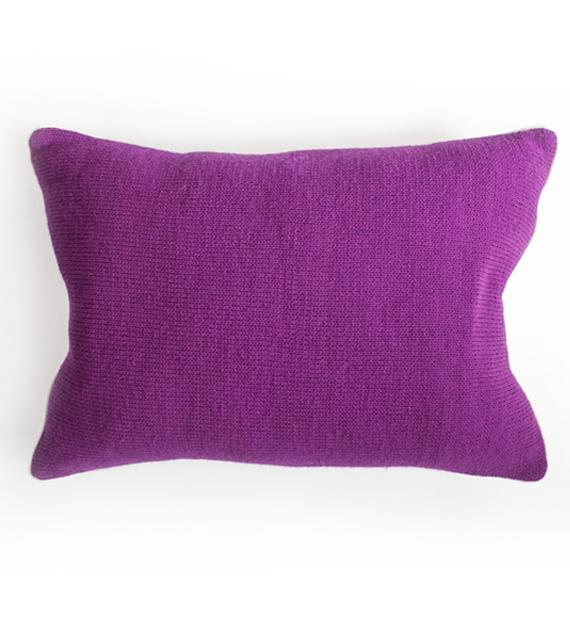 almohadon-tejido-monocromatico-magenta-70-x-50