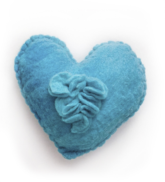 almohadon-corazon-turquesa